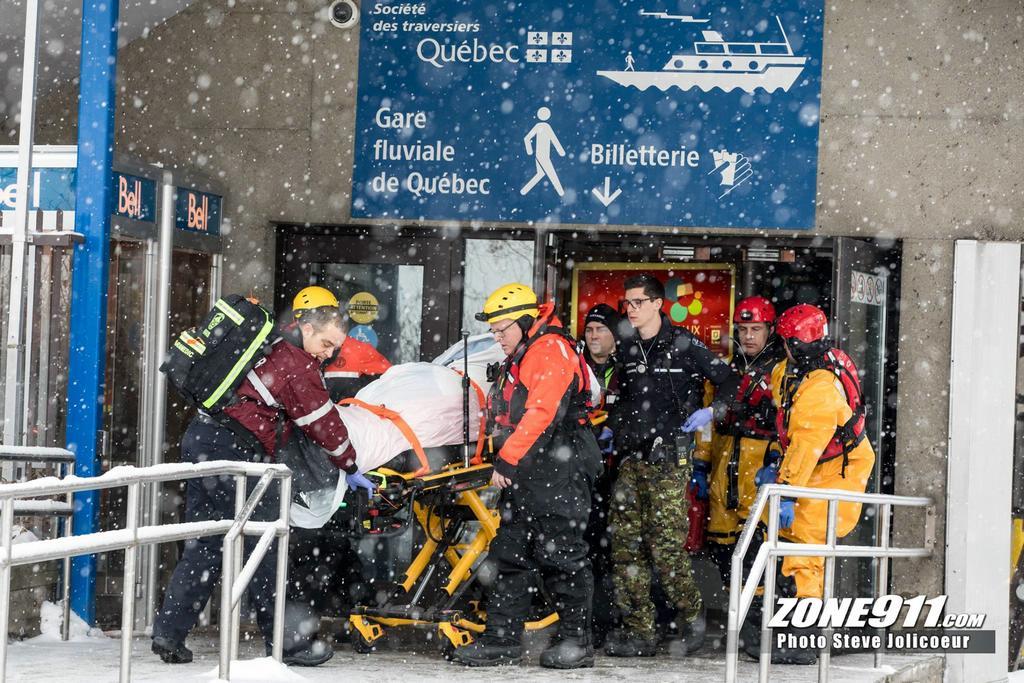 Une personne tombe dans le fleuve Saint-Laurent à Québec