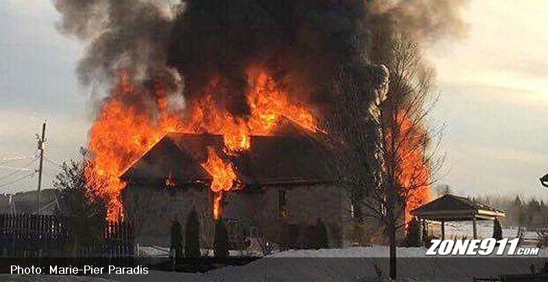 Incendie et explosion dans une résidence de Saint-Elzéar